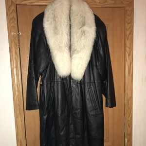 Macy's Leather/Fox Fur Coat Size Large
